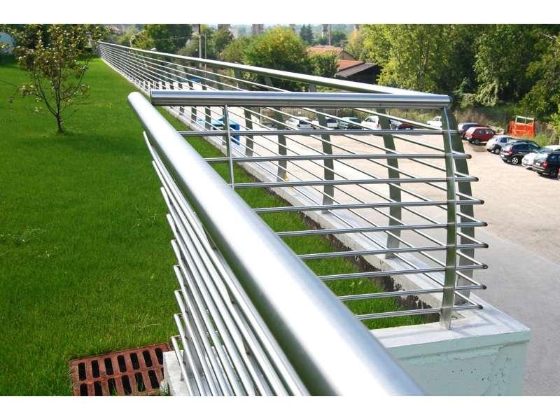 Accessori Inox per cancelli e recinzioni